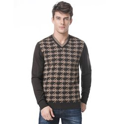 V-neck houndstooth sweater